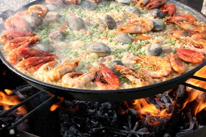 פסטיבל העגבניות בבונול – קרב האוכל הגדול בעולם הצדפה – הסמל המסורתי של הקמינו דה סנטיאגו –